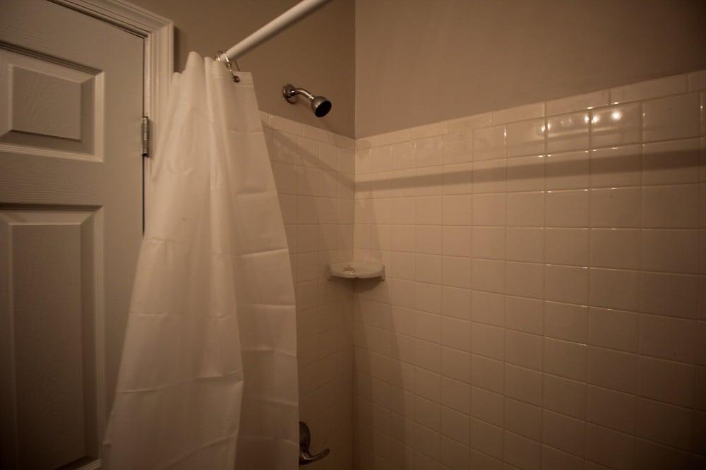 Tiled Bathtub 4670 York Rd