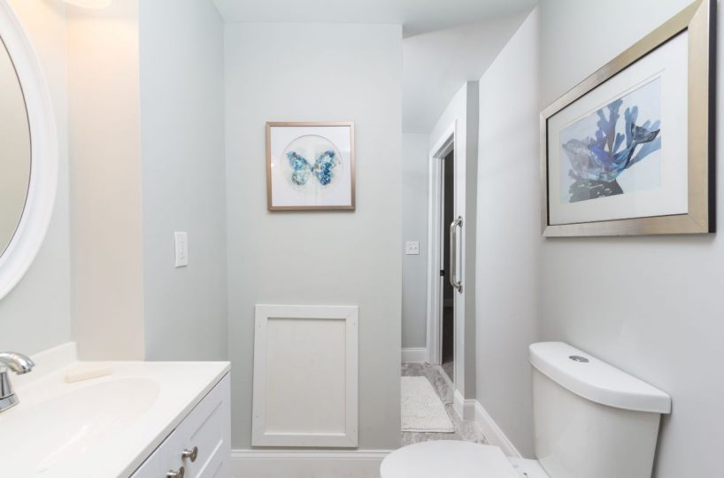 Bathroom with pictures at 7722 N Cove Road