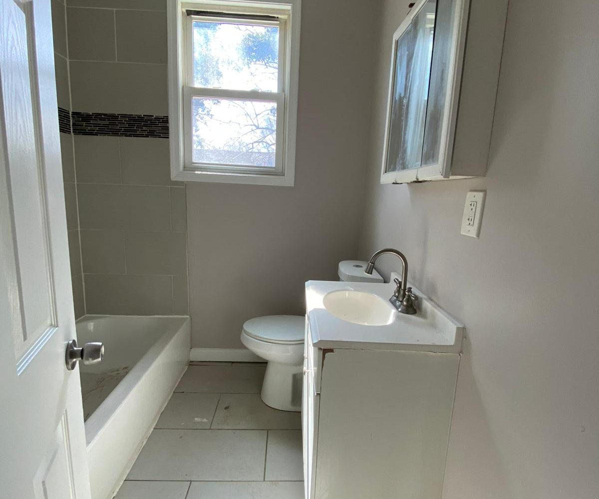 Bathroom in 534 Beaumont Ave Home