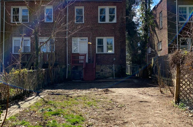 Large Backyard at 534 Beaumont Baltimore