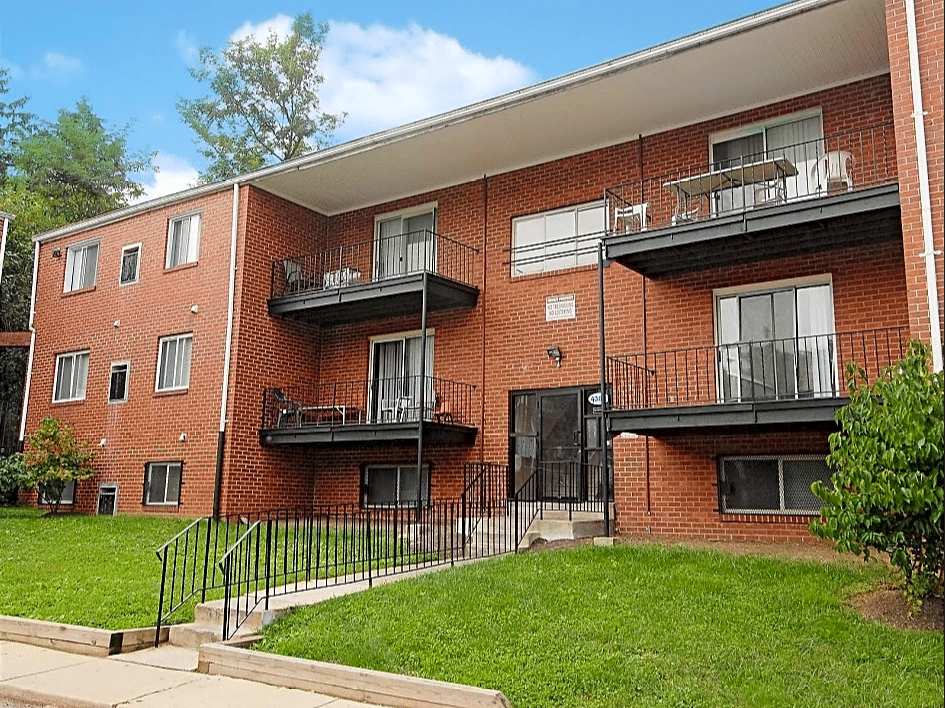 Entrance to Seminole Court Apts in Baltimore