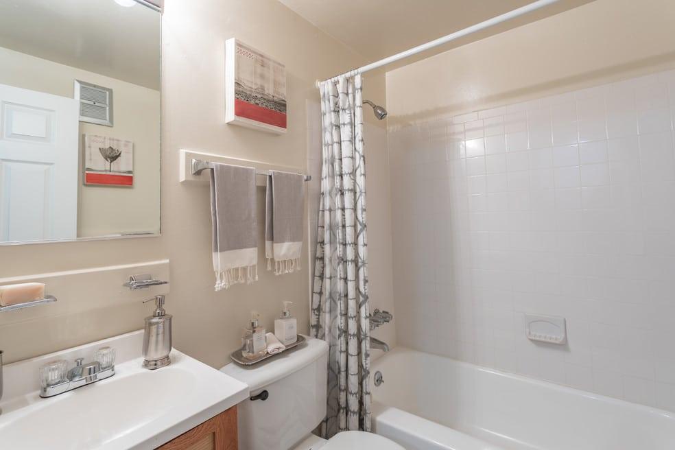 Fontana Village Bathroom with Bathtub, Toilet and Sink